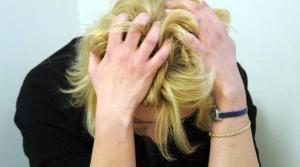 donna minaccia il suicidio autismo