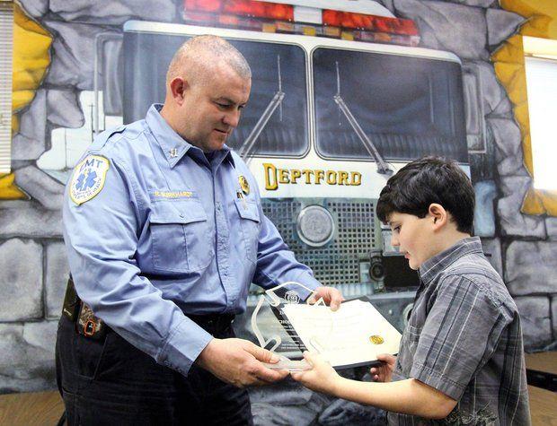 Autismo: bambino Asperger salva la mamma da unincendio
